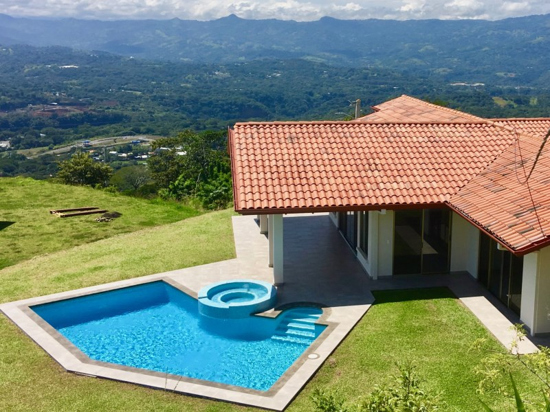 Remax real estate, Costa Rica, Atenas, New Home in Roca Verde gated community