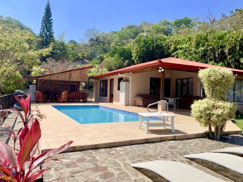 Remax real estate, Costa Rica, Atenas, Two homes and a pool with rental income potential in a residential community