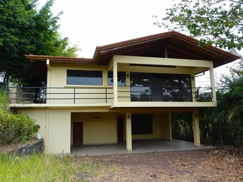 Remax real estate, Costa Rica, Atenas, House in gated community in Atenas