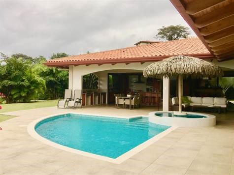 Remax real estate, Costa Rica, Atenas, Luxury property in one of the most popular gated communities in Atenas