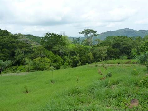 Remax real estate, Costa Rica, Atenas, Property is located in a quiet and peaceful area