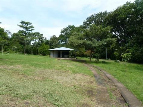 Remax real estate, Costa Rica, Atenas, Lot in a quiet village of Atenas