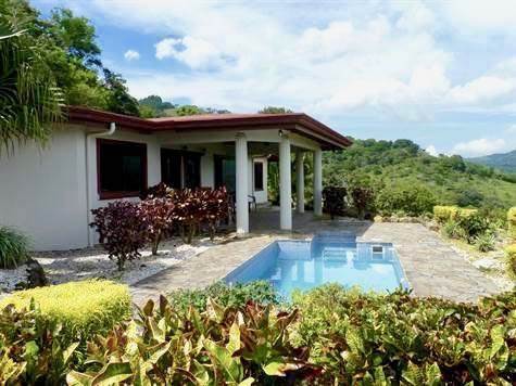 Remax real estate, Costa Rica, Atenas, Home in well established community of homes in Atenas