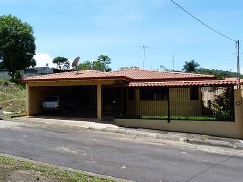 Remax real estate, Costa Rica, Atenas, Home is located on a quiet and undeveloped street near the center