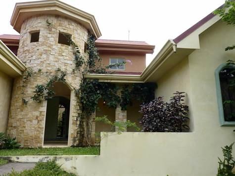 Remax real estate, Costa Rica, Atenas, Home in La Garita development with true colonial finishes