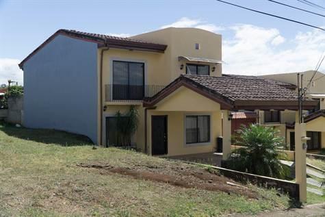 Remax real estate, Costa Rica, Alajuela, Nicely designed home in private community Condominio Botanica near Pricesmart in Alajuela
