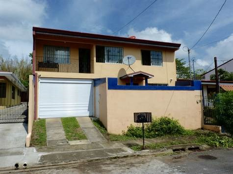 Remax real estate, Costa Rica, Atenas, Very secure home located minutes from Atenas Center