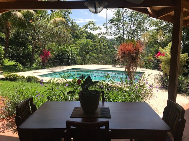 Remax real estate, Costa Rica, Atenas, Lovely Santa Fe countryside style home