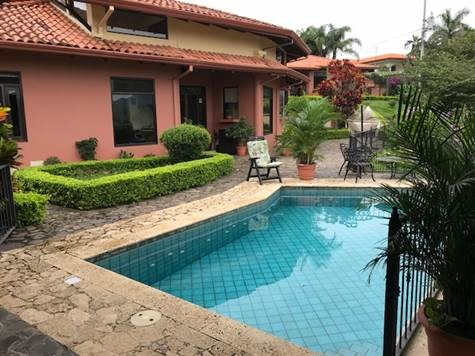 Remax real estate, Costa Rica, Atenas, Large home & guest home with beautiful finishes new to the Atenas market
