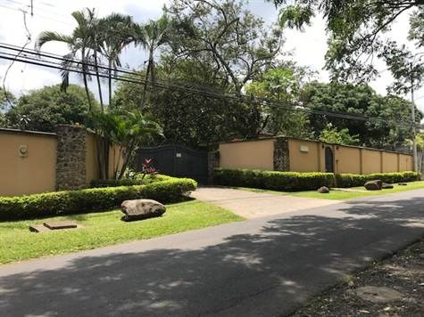 Remax real estate, Costa Rica, Atenas, Lots in gated small community in Turrucares