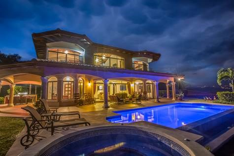 Remax real estate, Costa Rica, Atenas, Home in exclusive community with THE most amazing views of San Jose & The Pacific coast from Atenas