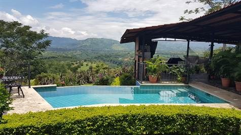 Remax real estate, Costa Rica, Atenas, Large furnished home with pool in secure area of Atenas