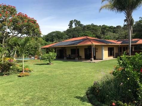 Remax real estate, Costa Rica, Atenas-Jesús, Home, guests home & farm area available in gated community