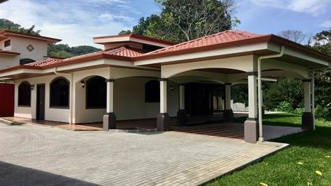 Remax real estate, Costa Rica, Atenas, New home in gated community with great finishes