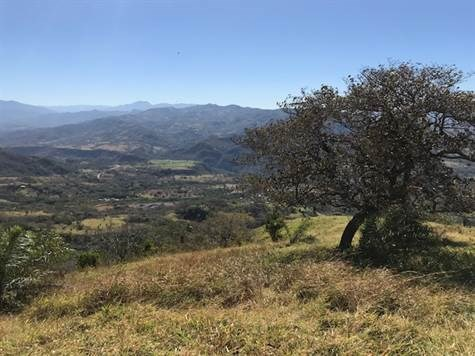Remax real estate, Costa Rica, Atenas, This beautiful farm is currently sub-divided in 6 farm-size properties, each with own title. This is a great investment opportunity!