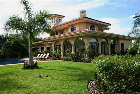 Remax real estate, Costa Rica, Alajuela - La Garita, AMAZING home!  15 minutes from SJO in private and secure gated community