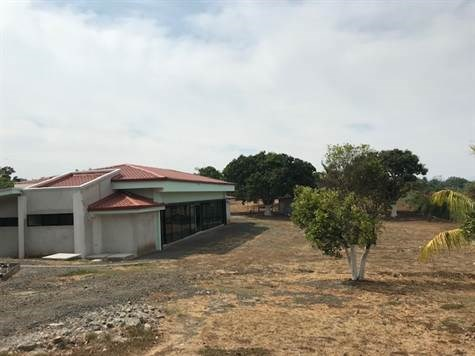Remax real estate, Costa Rica, Alajuela - La Garita, Large office center with plenty of add on space