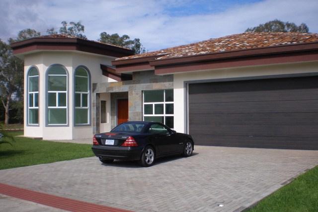 Remax real estate, Costa Rica, Alajuela - La Guácima, Home with elegant finishes in Hacienda Los Reyes