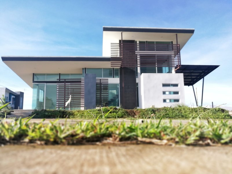 Remax real estate, Costa Rica, Grecia, beautiful modern house