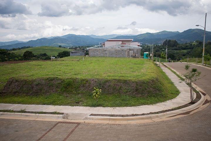 Remax real estate, Costa Rica, Grecia, lot in exclusive condominio