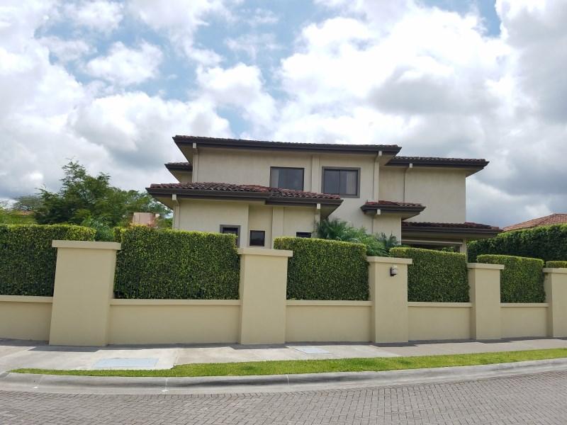 Remax real estate, Costa Rica, Santa Ana, Elegant house in Hacienda del Sol