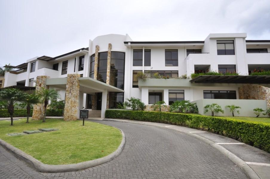 Remax real estate, Costa Rica, Santa Ana - Río Oro de Santa Ana, Beautiful condo/ Rio de Oro Santa Ana