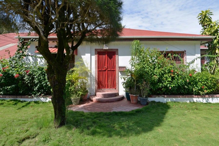 RE/MAX real estate, Belize, Seine Bight Village,  H6100 - Authentic Belize Living!