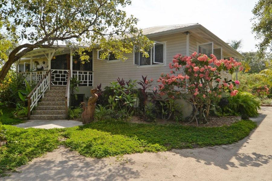 Remax real estate, Belize, Placentia Village,  Charming 3 bedroom 2 bath home on the lagoon