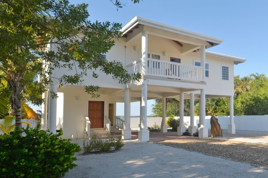 Remax real estate, Belize, Placentia Village, H6603 - 2 Bedroom 2 Bathroom Lagoon Front With Great Rental History