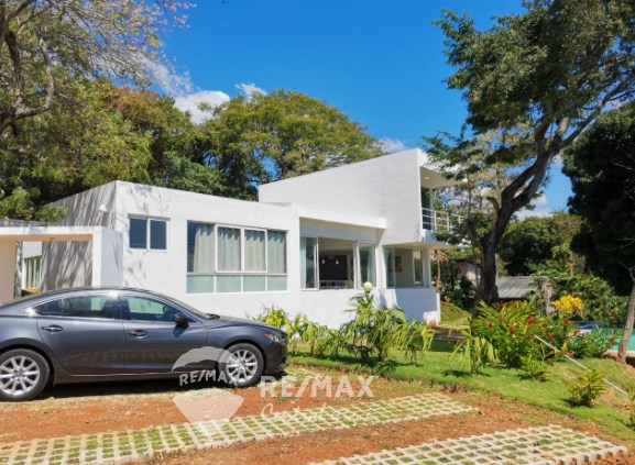 RE/MAX real estate, El Salvador, Teotepeque, FOR SALE BEACH HOUSE  IN BAHIA DORADA