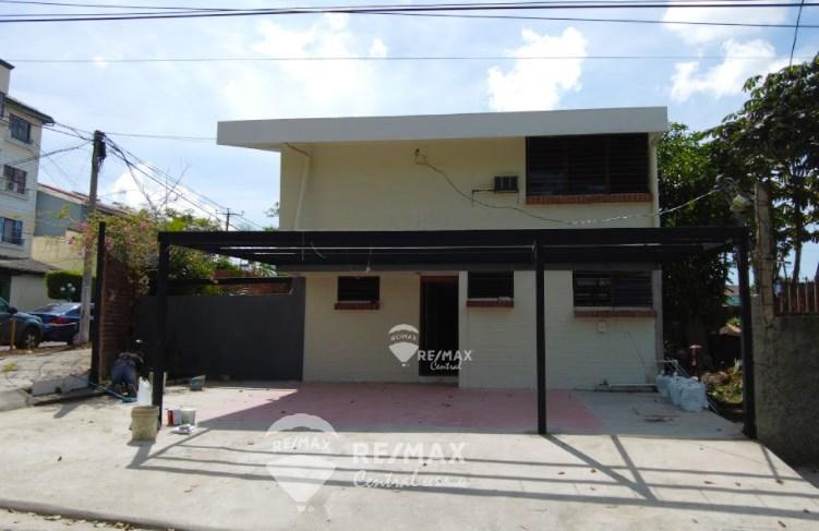 Remax real estate, El Salvador, San Salvador, RENTAL OF RESIDENCE FOR OFFICES / COMMERCIAL PREMISES IN COL. ESCALON