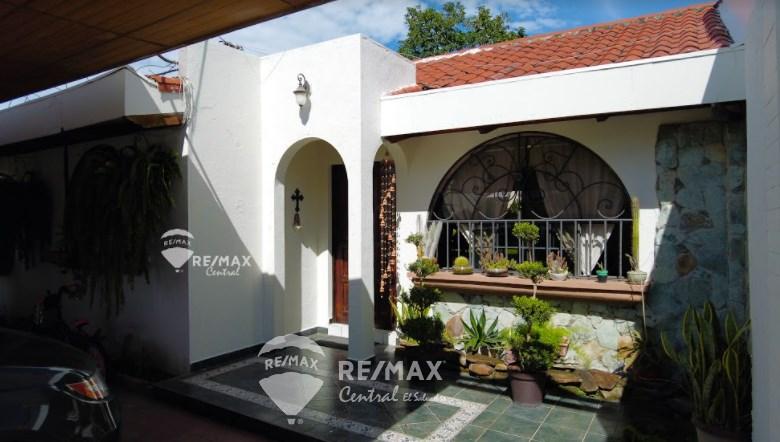 Remax real estate, El Salvador, Santa Tecla, FOR SALE HOUSE URBANIZACION MONTESION