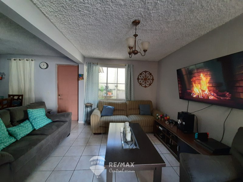 Remax real estate, El Salvador, San Salvador, House in private neighborhood Escalon area