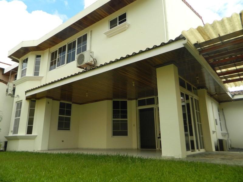 Remax real estate, El Salvador, San Salvador, HOUSE FOR RENT CUMBRES DE CUSCATLAN