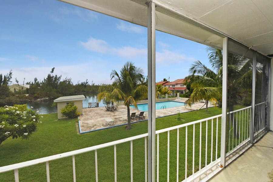 RE/MAX real estate, Bahamas, Lucaya, WATERFRONT-FURNISHED 2 BED CONDO