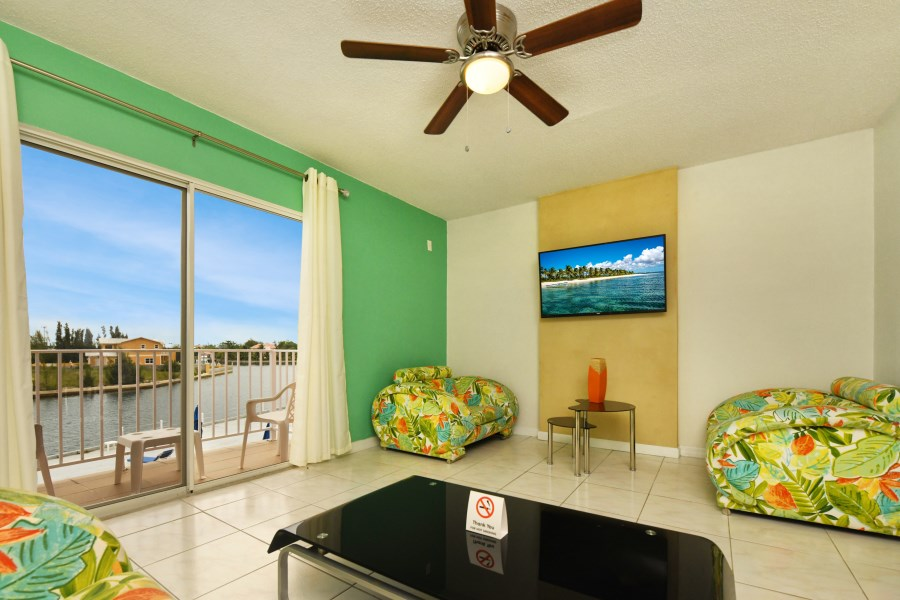 RE/MAX real estate, Bahamas, Freeport, MONTHLY RENTAL- WATERFRONT 2 BR TOWNHOUSE
