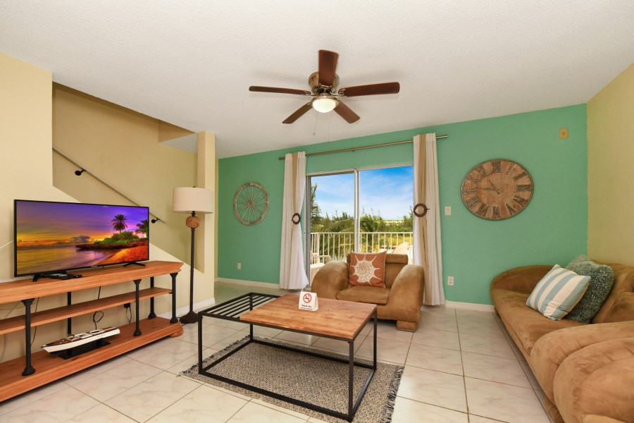 RE/MAX real estate, Bahamas, Freeport, RENTAL - WATERFRONT FURNISHED TWO BR TOWNHOUSE FREEPORT