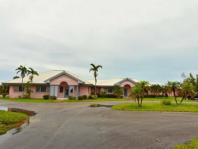 RE/MAX real estate, Bahamas, Lucaya, LARGE OFFICE BUILDING ON GOLF REEF COURSE