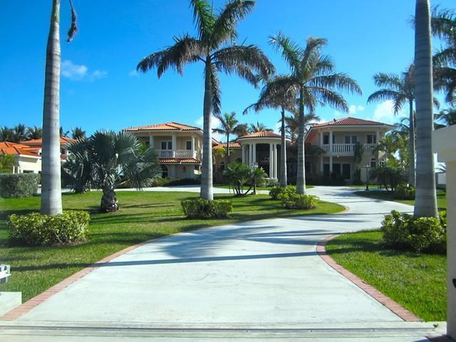 RE/MAX real estate, Bahamas, Fortune Bay, UNIQUE ESTATE HOME