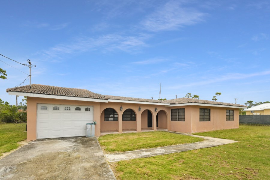 RE/MAX real estate, Bahamas, Lucaya, RENTAL-FOUR BR HOME FREEPORT LUCAYA
