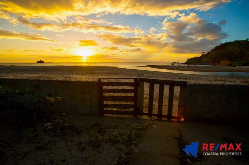 Remax real estate, Nicaragua, San Juan del Sur, One Acre Marsella Beachfront Property