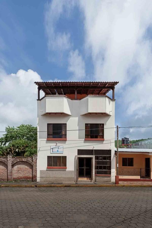 Remax real estate, Nicaragua, San Juan del Sur, Multiunit Commercial Building in Town