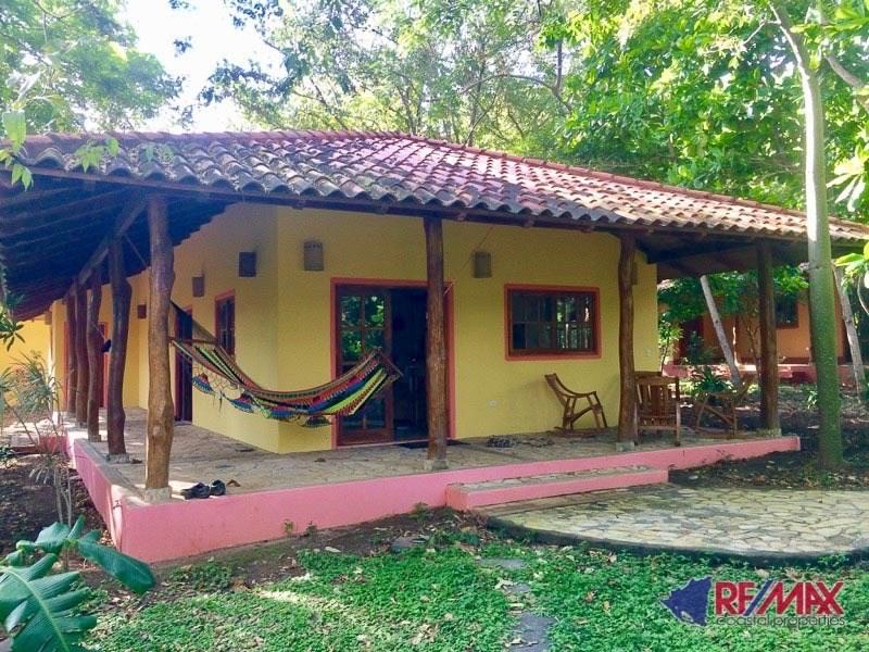 Remax real estate, Nicaragua, San Juan del Sur, 2-Bed Jungle Dwelling in Mango Rosa Resort - Walking distance to beach!