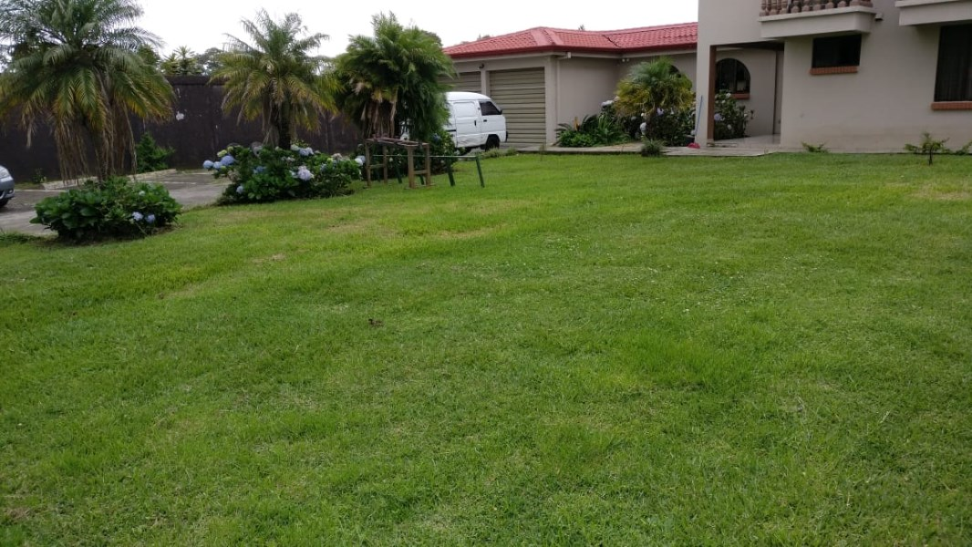 Remax real estate, Costa Rica, San Isidro de Heredia , EXCELLENT OPPORTUNITY IN HEREDIA! SALE OR RENT / YOU DECIDE!