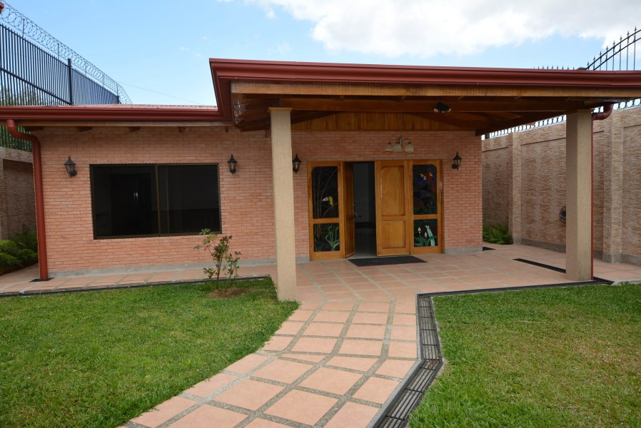 Remax real estate, Costa Rica, Cartago - Tres Ríos La Unión, HOUSE FOR RENT IN CARTAGO LA UNION TRES RIOS/ RESIDENTIAL BELLO MONTE.