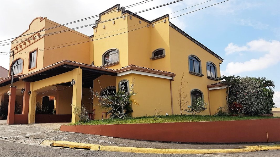 Remax real estate, Costa Rica, Heredia - San Francisco de Heredia, Beautiful property for sale in  HEREDIA  Costa Rica. NEW REDUCED PRICE!!