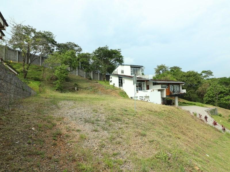 Remax real estate, Costa Rica, Mora - Ciudad Colón, Spectacular lot for sale in Condominium in Mora, Santa Ana.