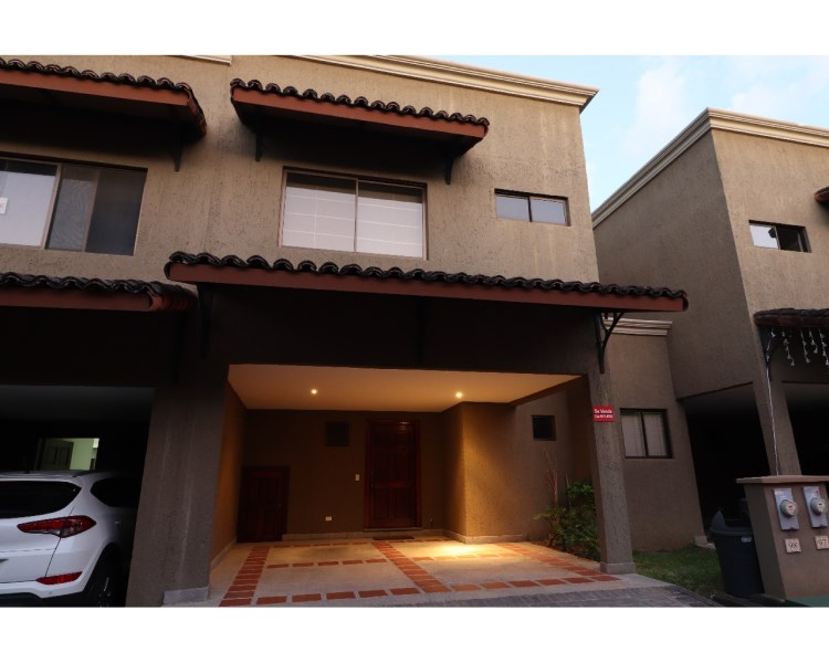 Remax real estate, Costa Rica, Santa Ana, House for sale. Condominio Fuerte Ventura. Santa Ana.  New Price! New Price! $ 184.900,00