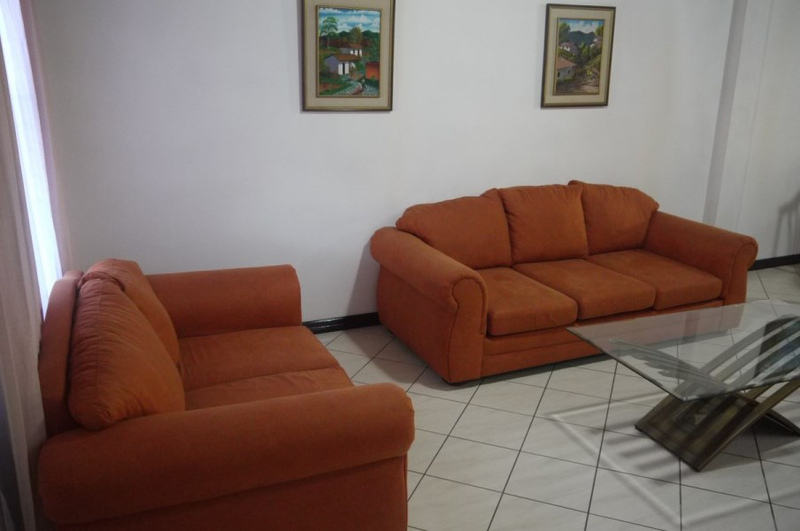 Remax real estate, Costa Rica, San José - Pavas, Nice townhouse in gated community in Rohrmoser