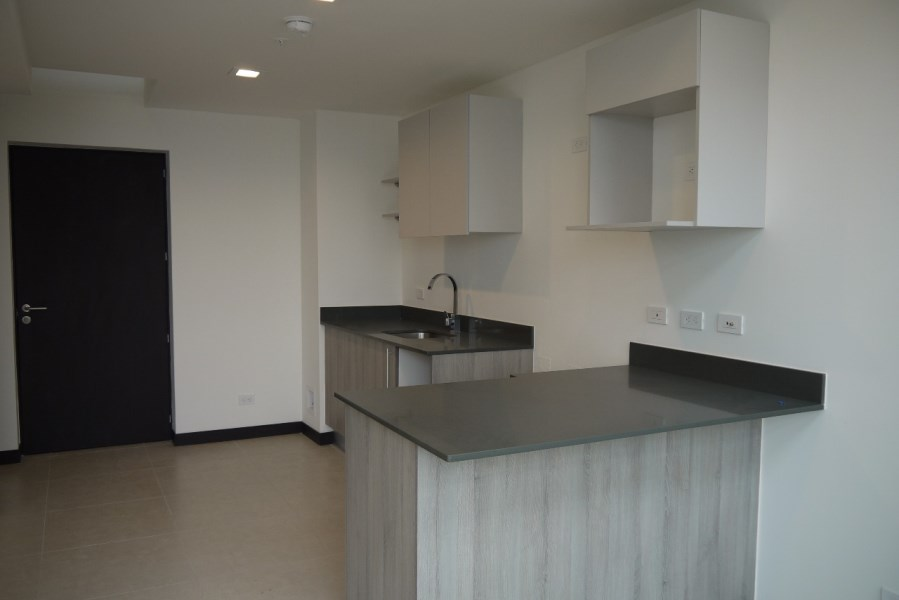 Remax real estate, Costa Rica, San José - Pavas, Modern apartment in Nunciatura for rent